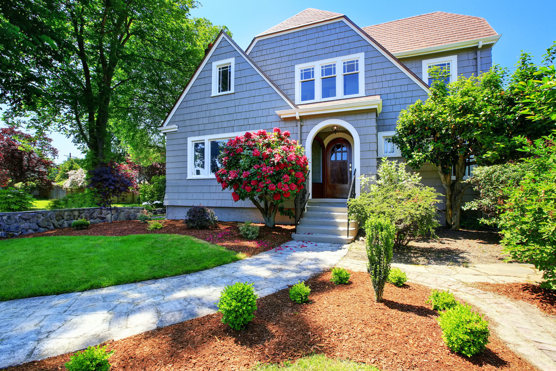 How to Boost Your Listing's Winter Curb Appeal